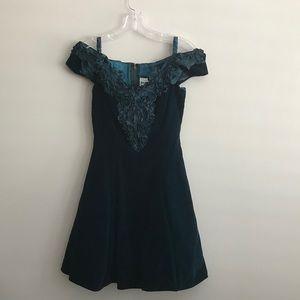 Zum Zum Emerald Green Velveteen Cocktail Dress 3/4